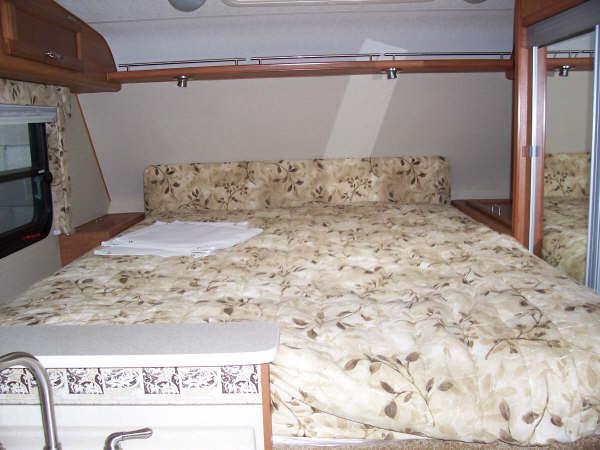 Lance 1055 Long Bed Truck Camper
